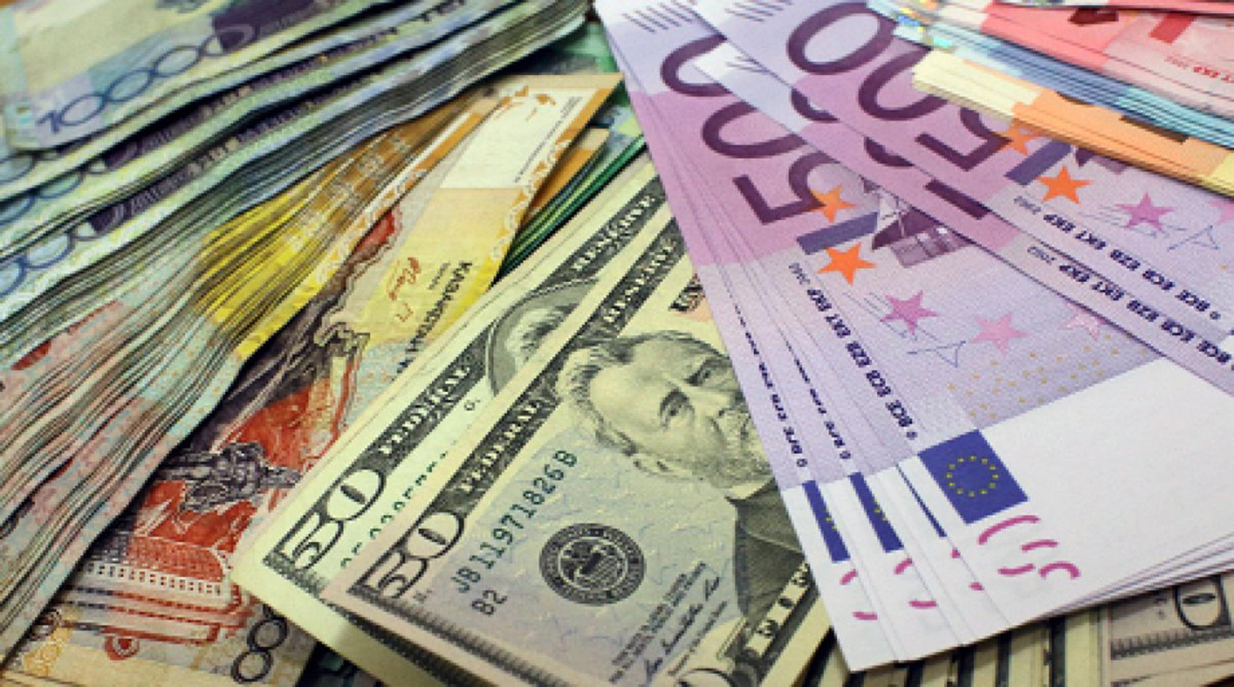 непопулярность местной валюты в Казахстане